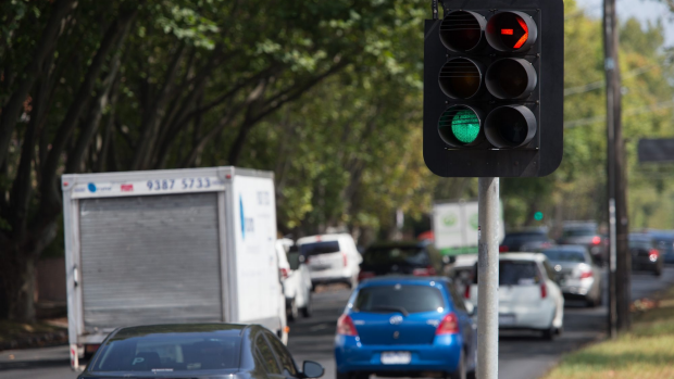 Article image for Justin and Kate discover how traffic lights operate in Victoria