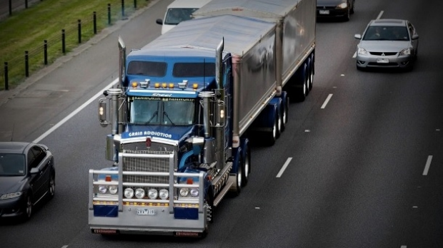 Article image for Ban on heavy trucks on the West Gate Bridge to begin November 1