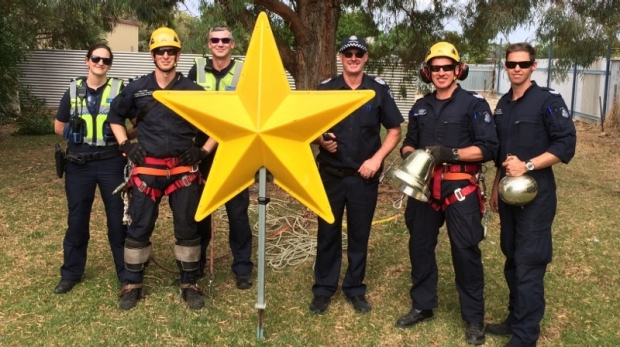 Article image for Man steals Christmas star and places it on a tree in his backyard at Kerang