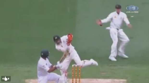 Article image for Steve Smith's attempted catch down the leg side catch was legal