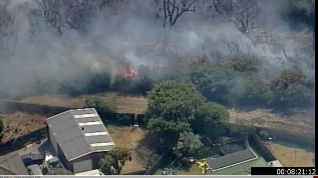 Article image for Bushfire raging at Carrum Downs
