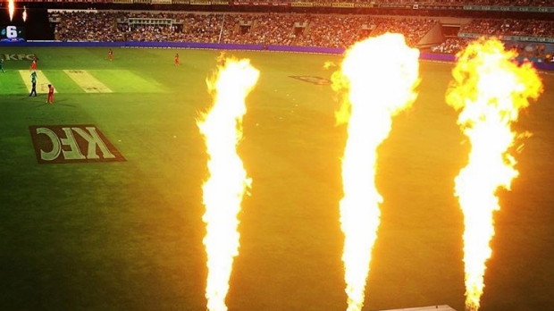 Article image for BLOG: KFC BBL06: Brisbane Heat v Melbourne Renegades at the Gabba