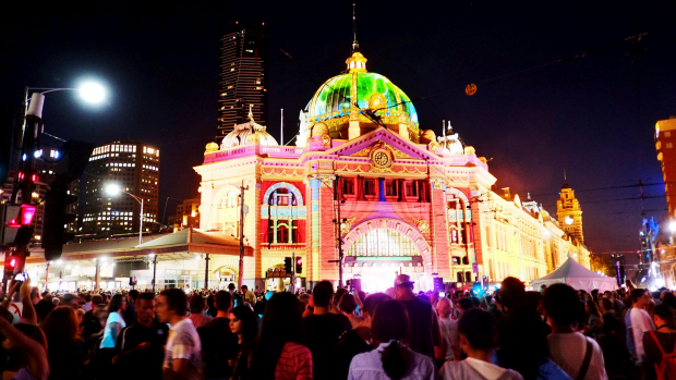 Article image for White Night patrons urged not to visibly display valuables such as phones