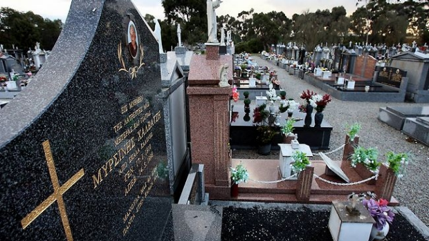Article image for Lois, 85, tells Neil Mitchell about having her bags stolen at Fawkner Cemetery