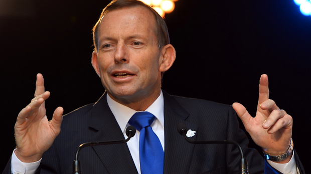 Article image for Tom Elliott says Tony Abbott must be made a Minister to keep him in line