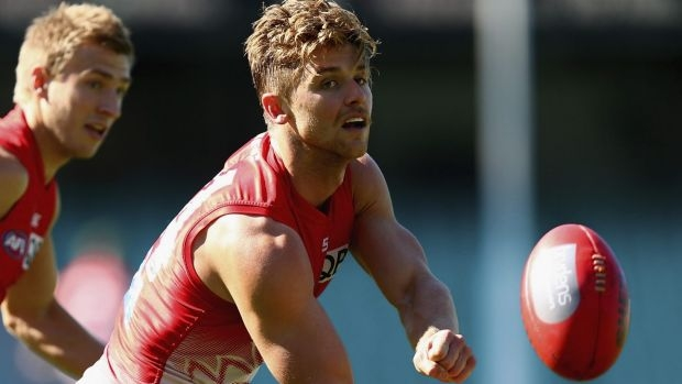 Article image for Dane Rampe breaks arm after tripping over chain while on a run