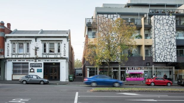 Article image for Carlton's 'steak stink' pub closure only the start of problems: expert