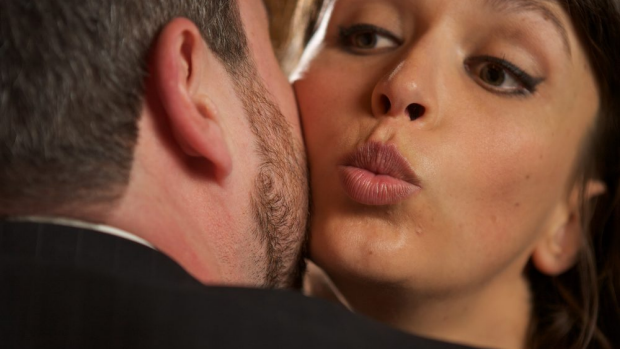 Article image for The etiquette and protocols when greeting someone with a social kiss