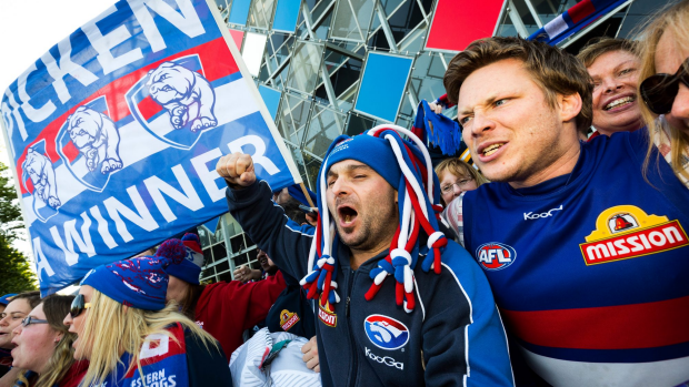 Article image for Rohan Smith hits back at those suggesting the Bulldogs have gone too far celebrating