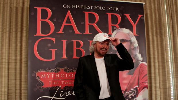 Article image for Ross and John speak to Barry Gibb about his new album