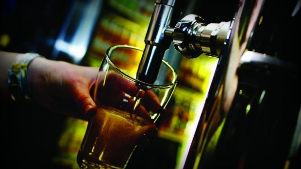 Article image for Justin and Kate find out whether pubs have stopped filling beer glasses to the top