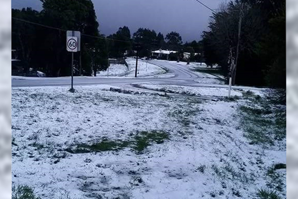 Article image for Spring snow: Victoria is freezing and turning white