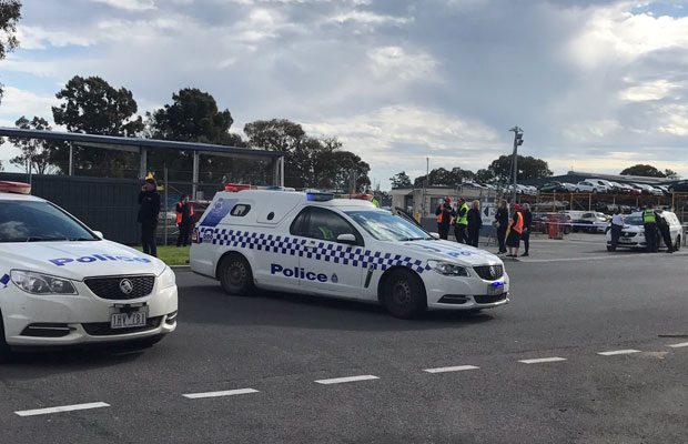 Article image for Bomb squad called to car park near Melbourne Airport