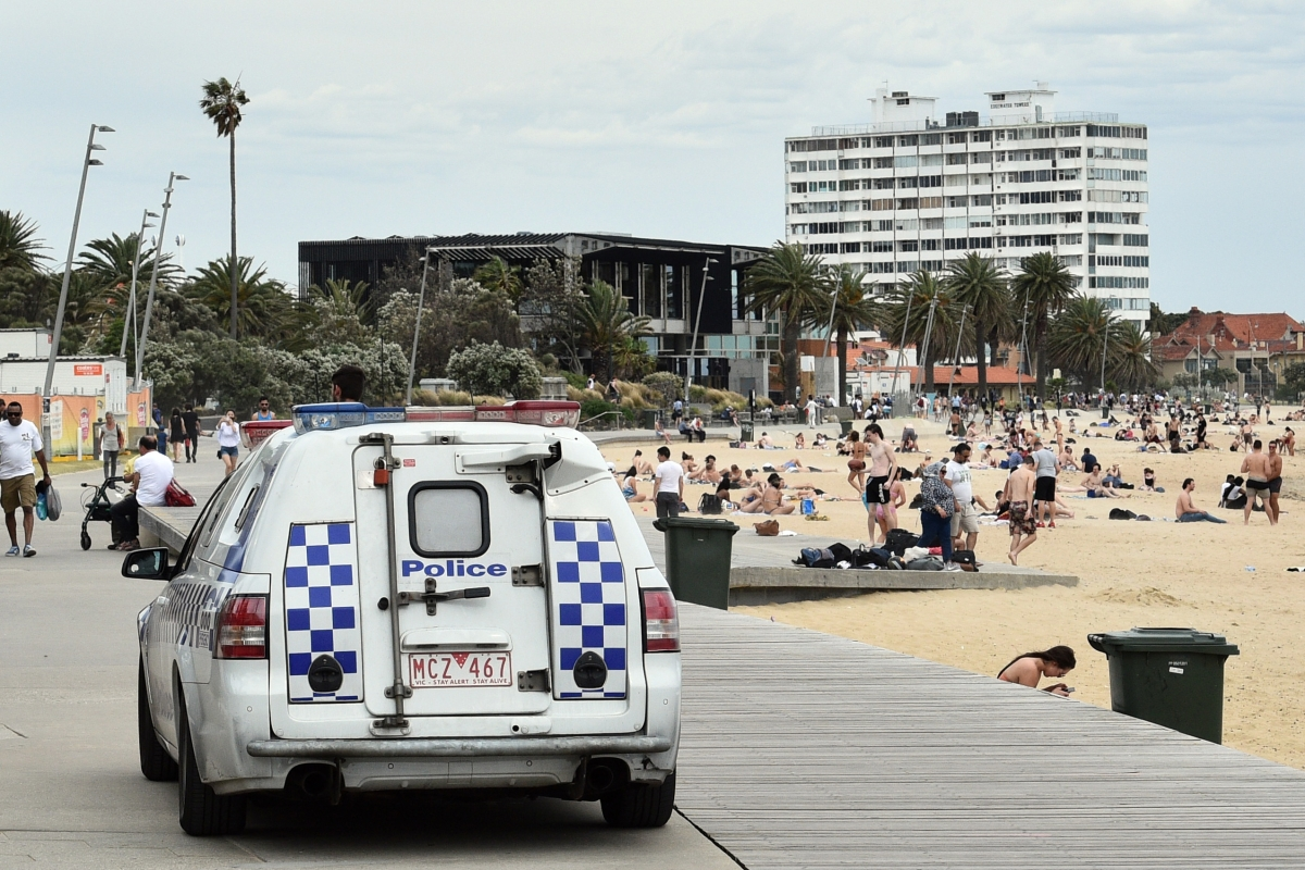 "Article image for Police to deploy ""significant resources"" at St Kilda tonight amid fears of further violence"