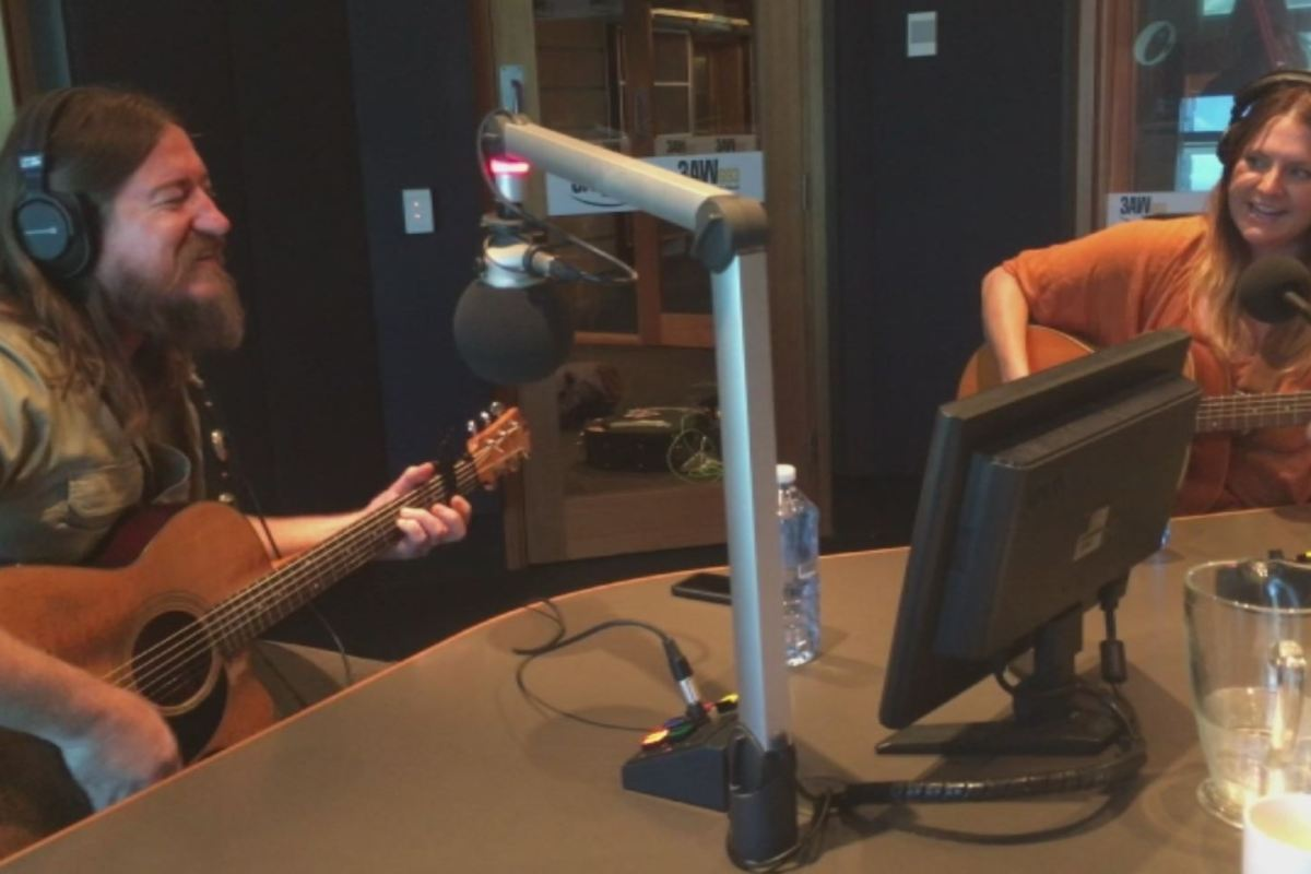 """Article image for Adam Eckersley and Brooke McClymont perform """"Train Wreck"""" in the 3AW studio"""