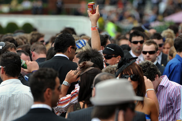Article image for Men can now wear shorts in the Caulfield Racecourse members area