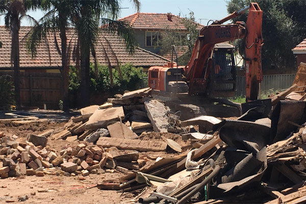Article image for Former home of underworld figure Des 'Tuppence' Moran demolished