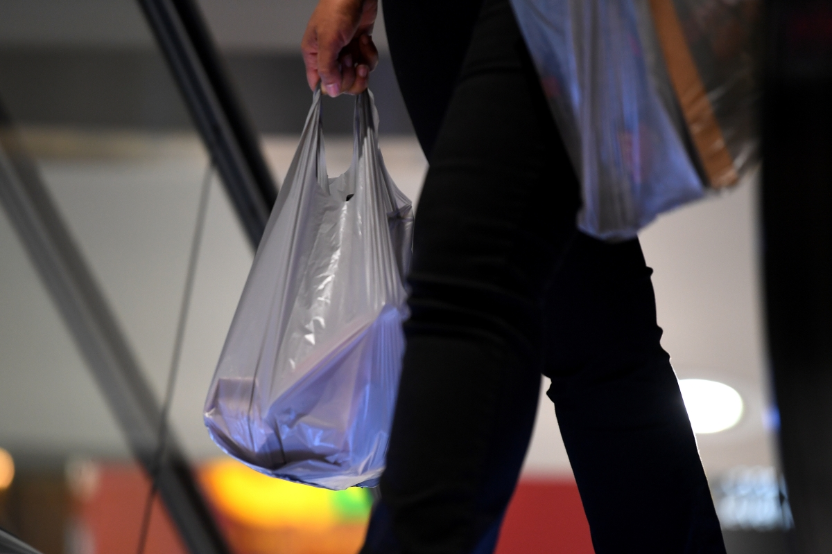 Article image for Woolworths brings forward the date of its plastic bag ban