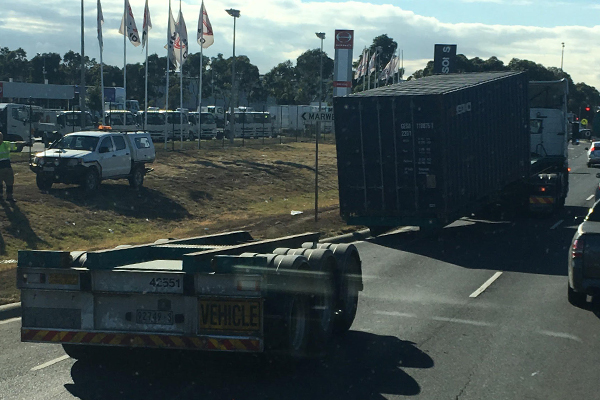 Article image for Truck loses its trailer and load on Bounday Road