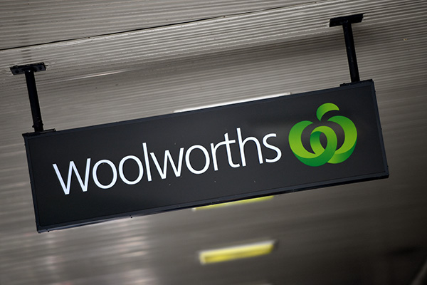 Article image for Customers forced to abandon shopping as Woolworths registers go down
