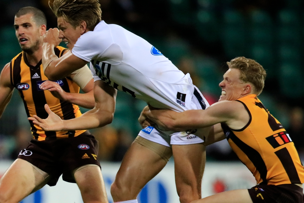 Article image for Are the unsociable Hawks back? Hawthorn star thrilled with return of the 'mongrel'