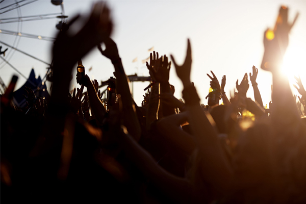Article image for Police warn Beyond the Valley festival-goers to be aware of drink spiking