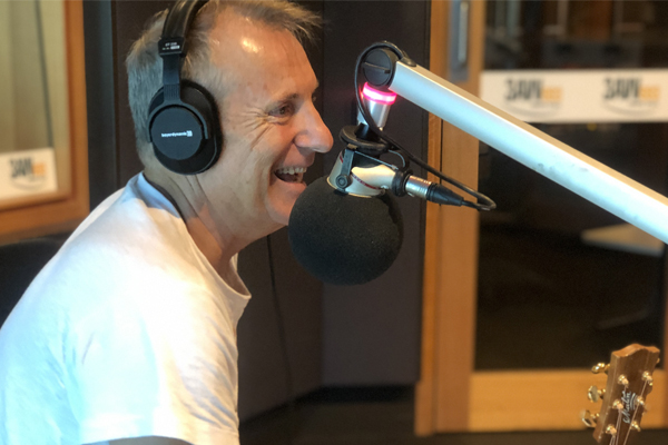 Article image for James Reyne performs 'Reckless' LIVE in the 3AW studio