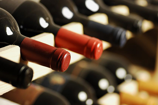 Article image for Victorian winemakers bracing for decline as coronavirus hits wine exports