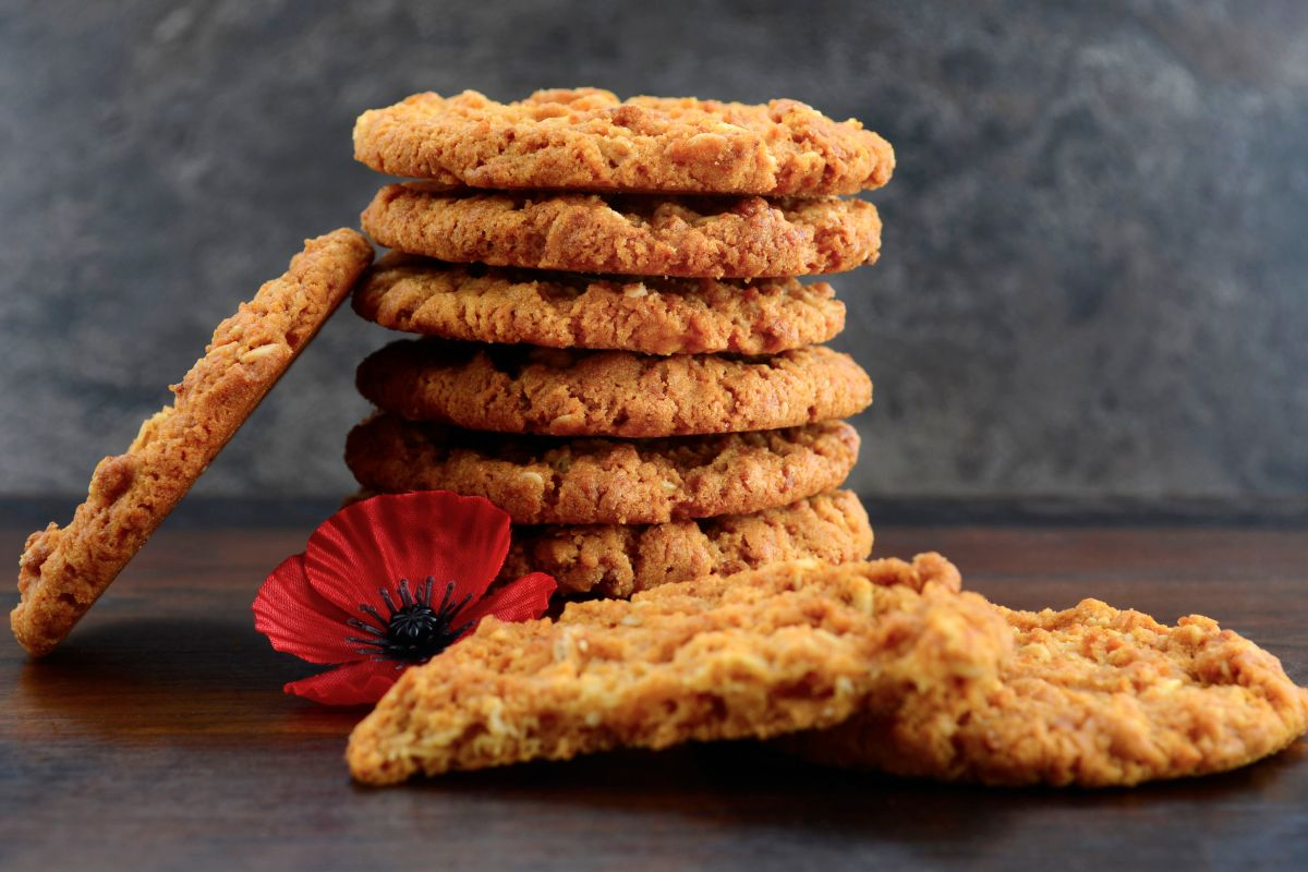 Article image for Businesses that tamper with the Anzac biscuit recipe could be fined $50,000