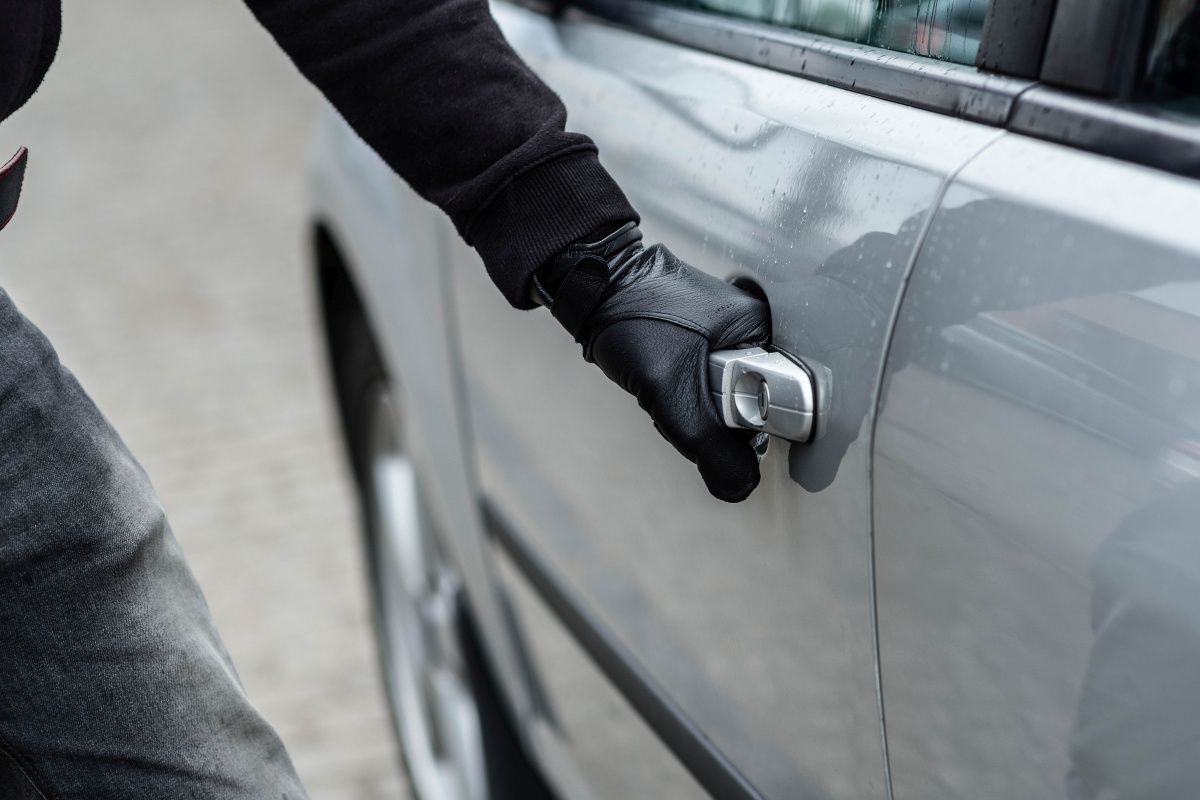 Article image for Keyless cars prove 'relatively easy' for crooks to hijack