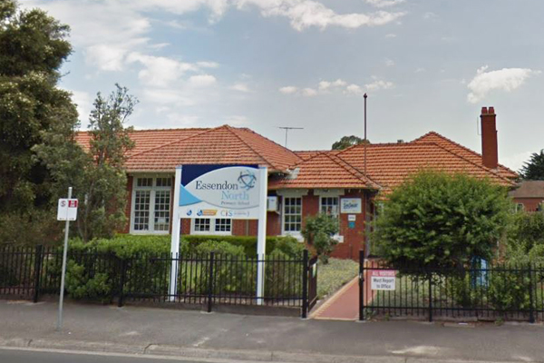 Article image for Premier says Essendon North PS is safe, despite parent concerns about asbestos