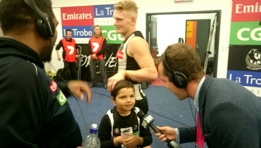 Article image for Pies defeat Power with the touching support of young sick fan
