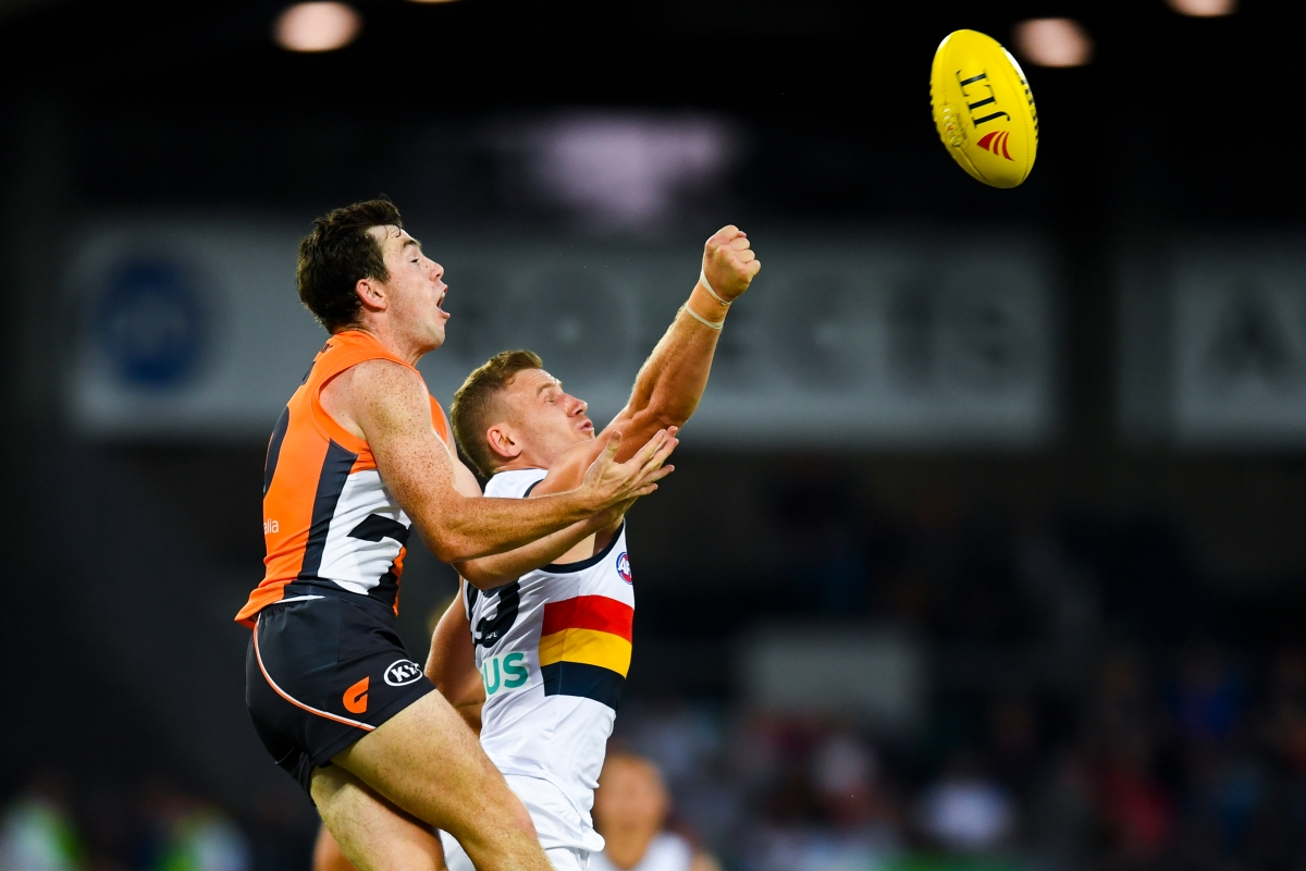 Article image for Crows defeat the Giants in a final quarter thriller