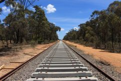 Victoria blames Commonwealth for stalling crucial rail project