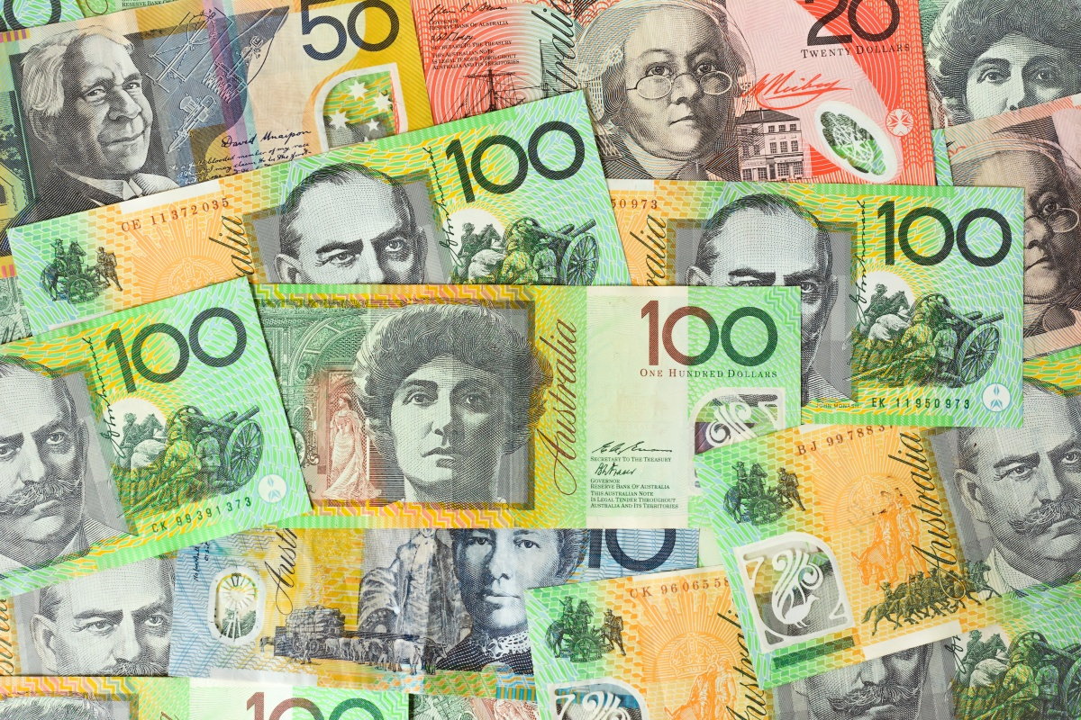 Article image for Paying more than $10,000 in cash could be a criminal act under 'heavy handed' proposed law