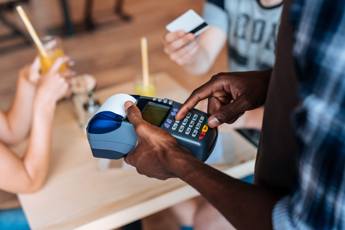 Article image for Why some shops have an EFTPOS 'minimum' spend…