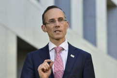 Labor insists government not doing enough to combat slump in economic growth