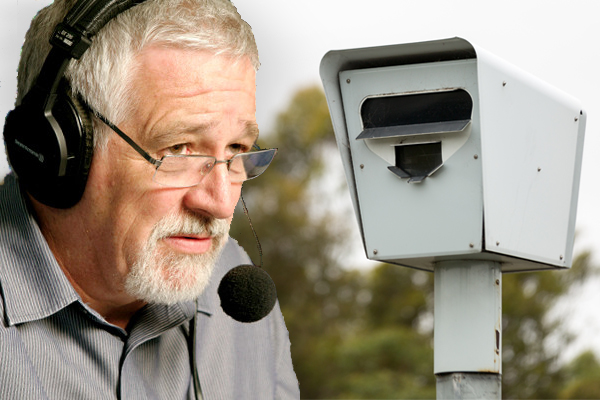Article image for The 'huge change' Neil Mitchell predicts is coming to Victorian roads