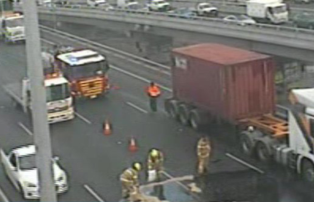 Article image for Diesel spill prompts West Gate Freeway delays