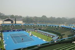 Doctor slams 'irresponsible' decision not to call off Australian Open qualifiers despite smoke haze