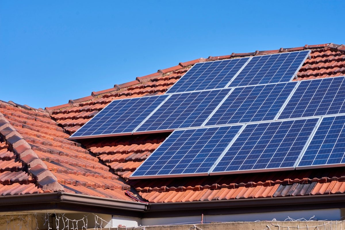 Article image for Solar power customers could face cuts to exporting energy fees
