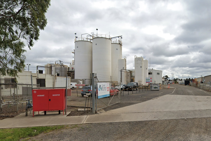 Article image for Two workers at a Melbourne waste management facility test positive to COVID-19