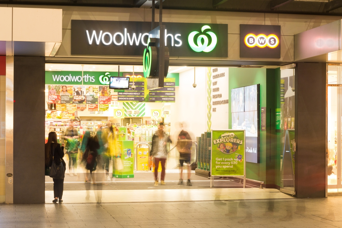 Article image for Woolworths launches its own customer contact tracing system