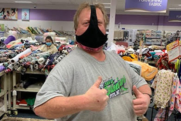 Article image for Melbourne man's hilarious face mask solution