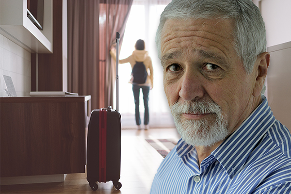 Article image for Neil Mitchell slams 'cowboy' state government over 'appalling' hotel quarantine blunder