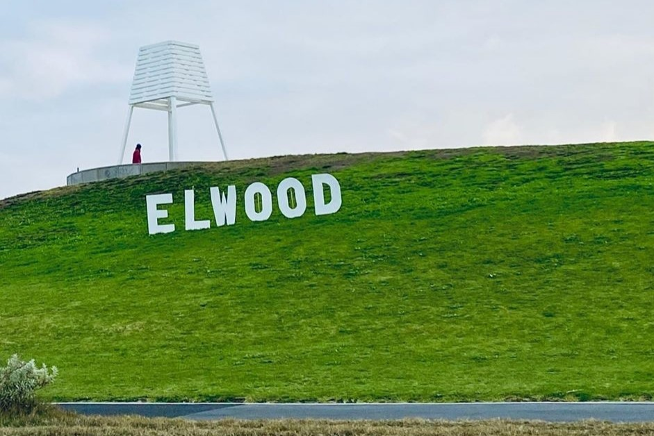 Article image for Nine-year-old's Hollywood-style sign delights Elwood locals