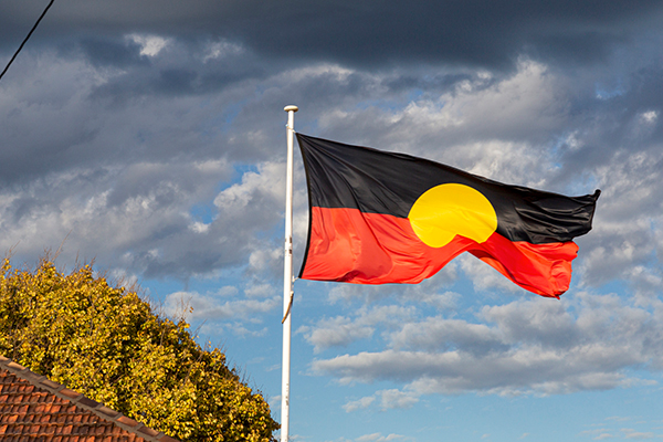Article image for Anger over copyright issues surrounding use of the Aboriginal flag
