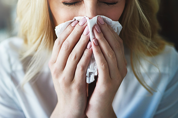 Article image for COVID-19 or hayfever? How to tell the symptoms apart (and when you should get a test)