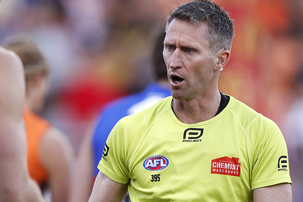 Article image for What's changed most for this AFL umpire throughout his decorated career