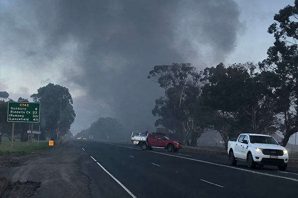 Article image for Black smoke chokes Melbourne's north-west as firefighters battle tip blaze